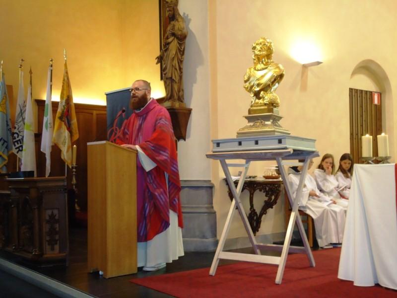 Openingsviering van de noveen met E.H. Matthias Noë