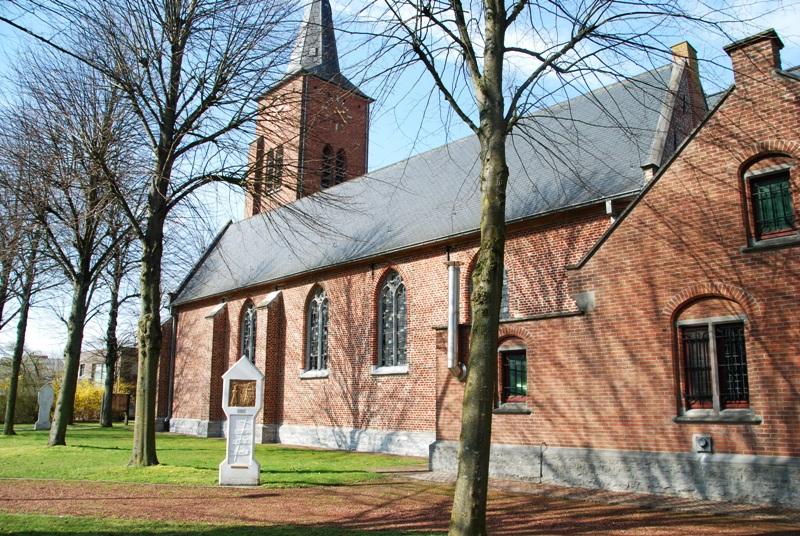 Kerk Kachtem zuidzijde